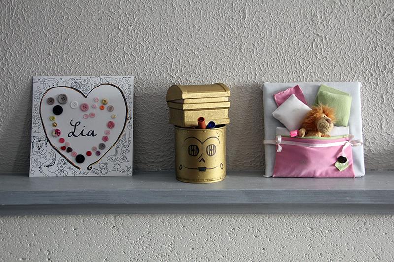tableau avec boutons tableau tissu tableau tissu with tableau avec boutons trendy bouton en. Black Bedroom Furniture Sets. Home Design Ideas