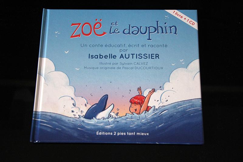 Couverture Zoë et le dauphin