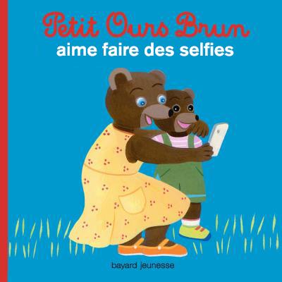 Petit Ours Brun aime faire des selfies