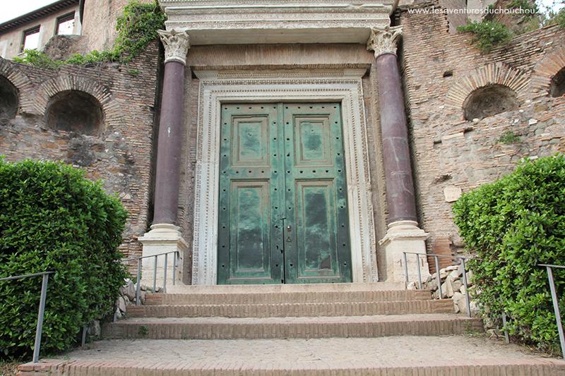 Foro Romano porte temple
