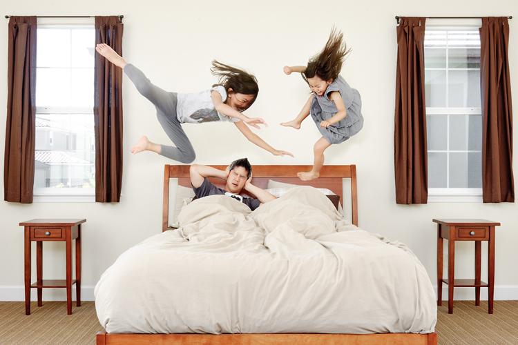 Attaque des filles au lit
