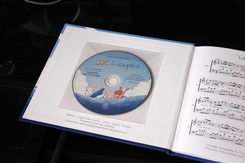 CD Zoë et le dauphin